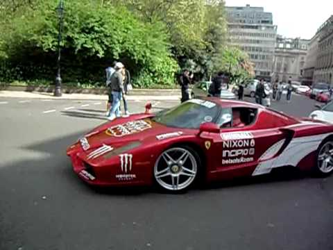 Street of Ferrari's Massive Revs!!