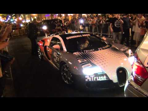 Bugatti Veyron Gets HIT!