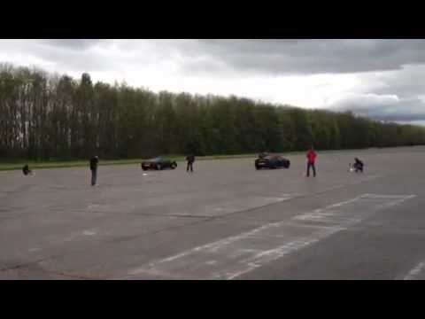 McLaren MP4 vs Ferrari 458