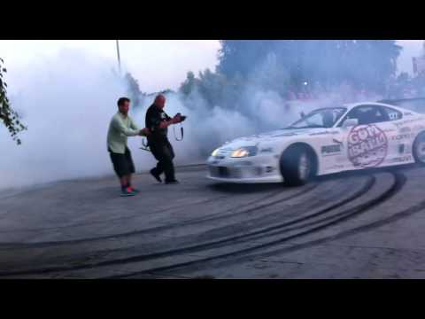 Gumball 3000 (2011) – Toyota Supra Circle Drift.MOV