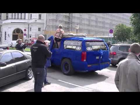 Gumball 3000 (2013): The Dudesons leaving Vienna